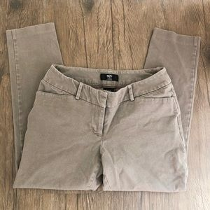 Mossimo Sz 8 Cropped Pants
